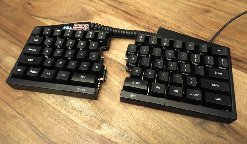 The Ultimate Hacking Keyboard - duże zdjęcie